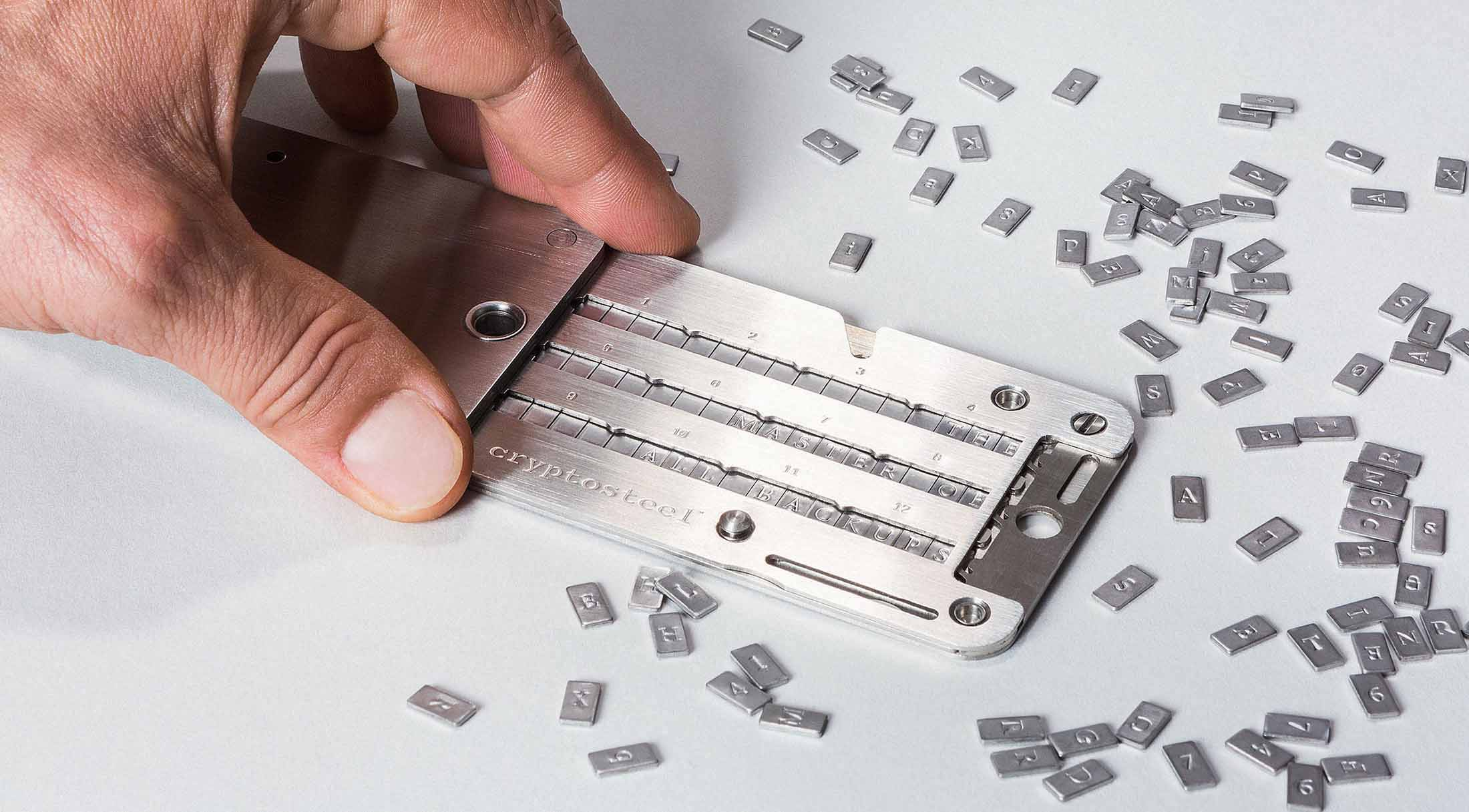Cryptosteel open with hand large